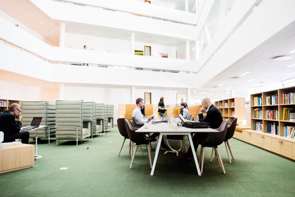 Det finns en rad olika arbetsplatser att välja mellan.  Foto: Ola Axman